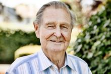 Senior, Portrait Im Garten, Porträt