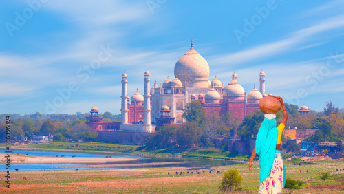 Taj Mahal - Famous architectural monument. Agra, India Canvas Print