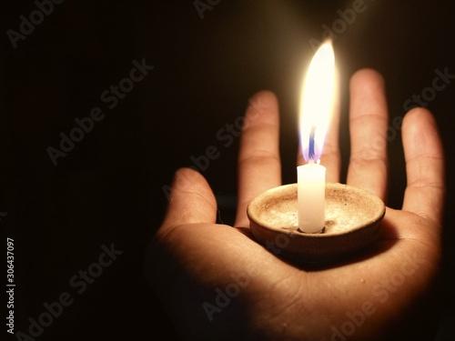 Fotografia candle in hand