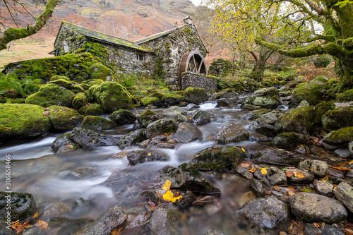 Canvas Print Disused water mill, Borrowdale, Cumbria