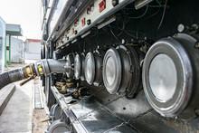 Camion Cisterna De Mercancias ...