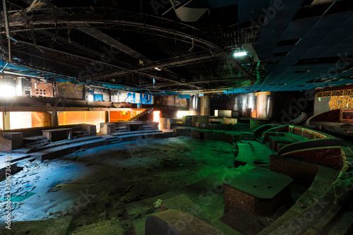 Fototapety, obrazy: An abandoned discotheque somewhere in Italy