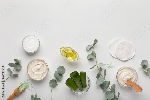 La pose en embrasure Amsterdam Moisturizing cream of natural and eco friendly materials on white