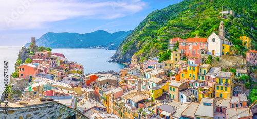 Fototapeta Vernazza village with typical colorful multicolored buildings houses, Castello D