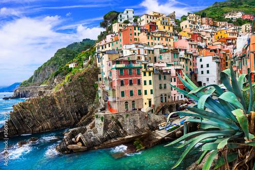 Fotografia  Amazing Italy - famous Cinque Terre in  Liguria, colorful Riomaggiore fishing vi