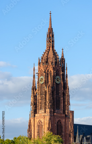 Foto Tower of the Kaiserdom cathedral in Frankfurt