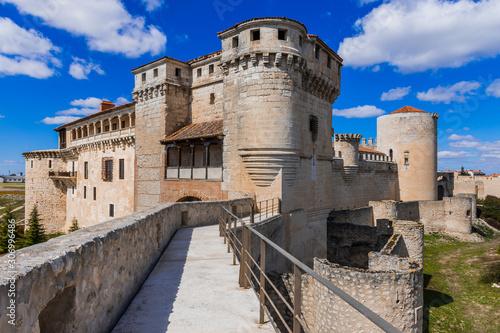 Photo castle of the dukes of albuquerque, cuellar