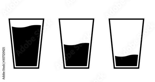 Photo グラスと水のアイコンセット  量の変化