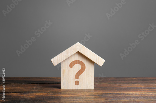 Fotomural Question mark on a wooden house