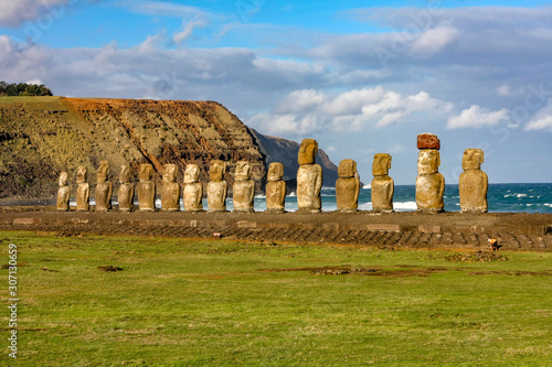 Photo Moai-Steinfiguren am Ahu Tongariki auf der Osterinsel