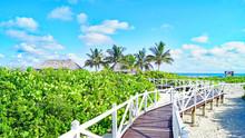 Panorámica De Playas Y Comple...