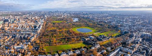 Poster de jardin Paris Beautiful aerial panoramic view of the Hyde park in London, United Kingdom.