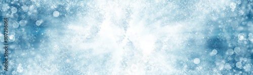 Foto auf AluDibond Licht blau white snow blur abstract background. Bokeh Christmas blurred beautiful shiny Christmas lights