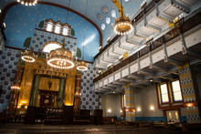 The Lovely Kazinczy Synagogue ...