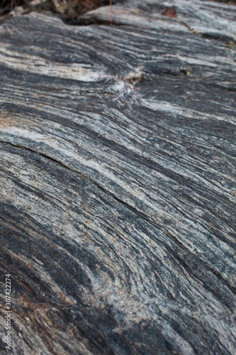 Valokuva  On Ryan Mountain of Joshua Tree National Park, rocks display captivating patterns, emanating natural beauty of the Southern Mojave Desert