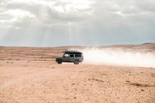 Overland Adventure While Drivi...