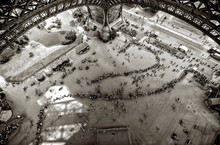 Overview Under The Eiffel Towe...