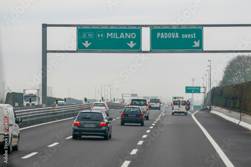 Αφίσα Milan road signage in Italy