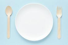 皿とフォークとスプー...
