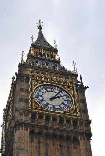 Photo  Big ben tower in a cloudy day