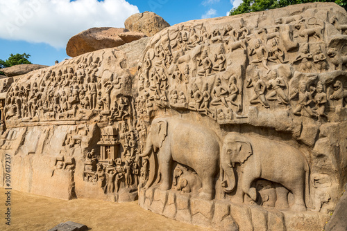Fotografie, Obraz Largest rock reliefs in Asia - The Descent of the Ganges in Mamallapuram - Tamil