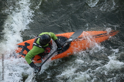 Cuadros en Lienzo kayaker in water