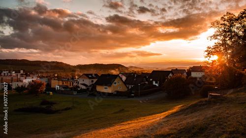 Fototapeta city at sunset obraz na płótnie