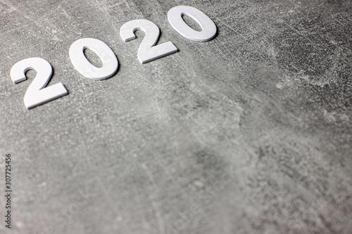 Obraz 2020 Nowy Rok, data, napis na betonowym tle - fototapety do salonu