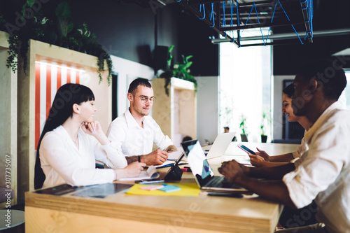 Fototapeta Creative diverse business team discussing new idea obraz na płótnie