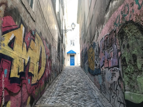 Photo narrow street in old town