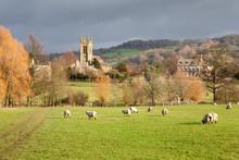 Idyllic Cotswold Countryside A...