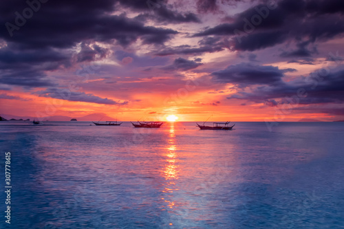 beautiful-sunset-in-anilao-barangas-philippines-landscapes-and-nature