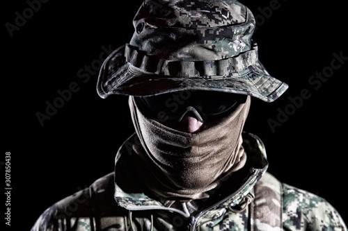 Cuadros en Lienzo  Elderly commando fighter studio portrait on black