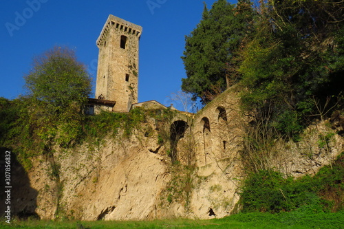 Photo tower of castle in Aquino,  Italy