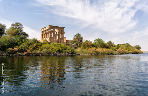 Photo Philae egyptian temple in aswan nile river