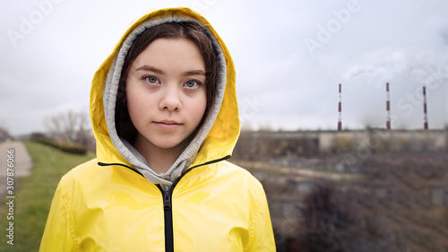 Photo Teenager girl protesting climate change. Fridays for future