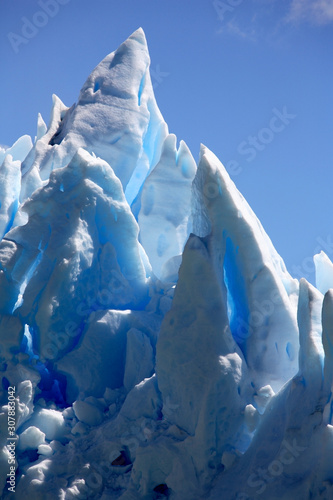 Papiers peints Cygne Ice peaks on the surface of the Perito Moreno Glacier - Argentina