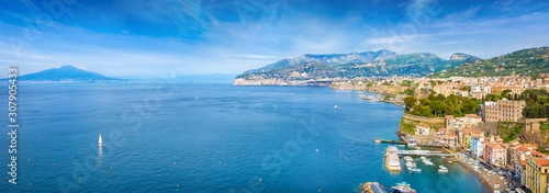 Fotografia Aerial panoramic view of Marina Grande, cliff coastline Sorrento and Gulf of Naples, Italy