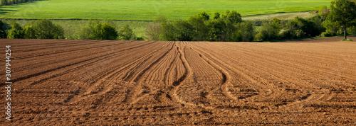 Champ et terre agricole en campagne Française Fototapet