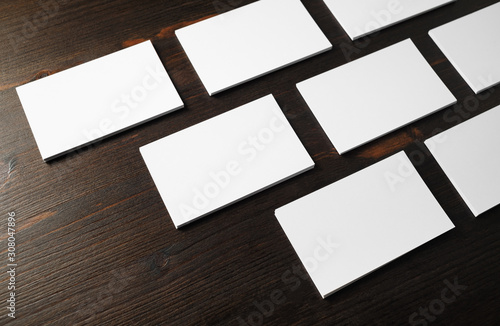 Fotografía  Photo of blank business cards on wood table background