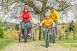 Leinwandbild Motiv Radtour im Frühling am Bodensee