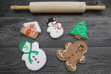 Assorted Iced Gingerbread Cook...