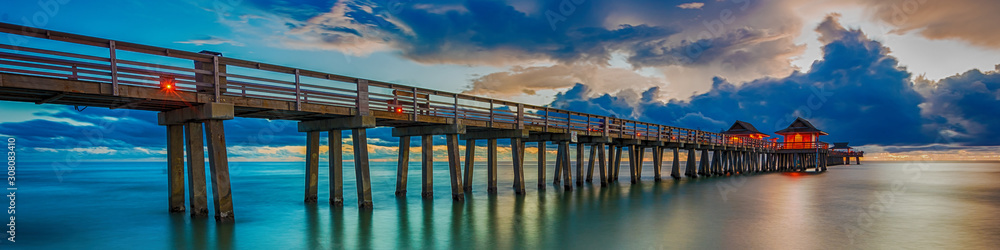 Fototapeta Panoramic old pier naples in Florida, america. Travel concept