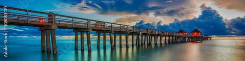 Fotografía Panoramic old pier naples in Florida, america. Travel concept