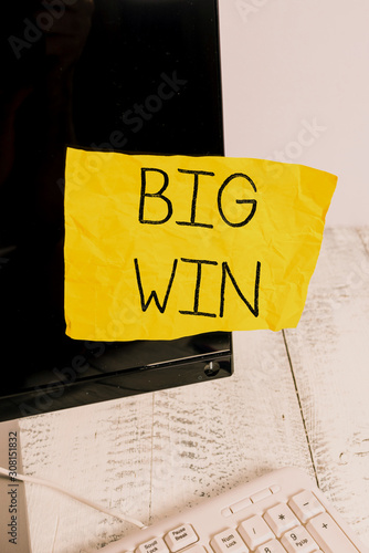 Fotografía  Writing note showing Big Win