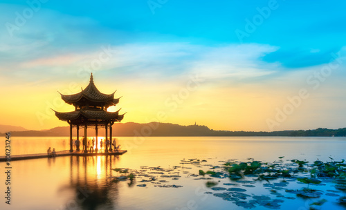 Foto auf Leinwand Orange Beautiful architectural landscape and landscape of West Lake in Hangzhou..