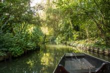 Navigation En Barque à Cornet Dans Les Hortillonnages