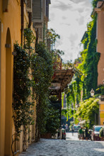 Beautiful And Pitoresque Street View In Rome, Trastevere District.
