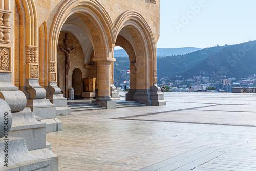 Space near Tsminda Sameba temple with a beautiful view of Tbilisi Fototapet