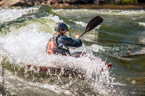 Fotografía Whitewater kayaking, extreme sport rafting